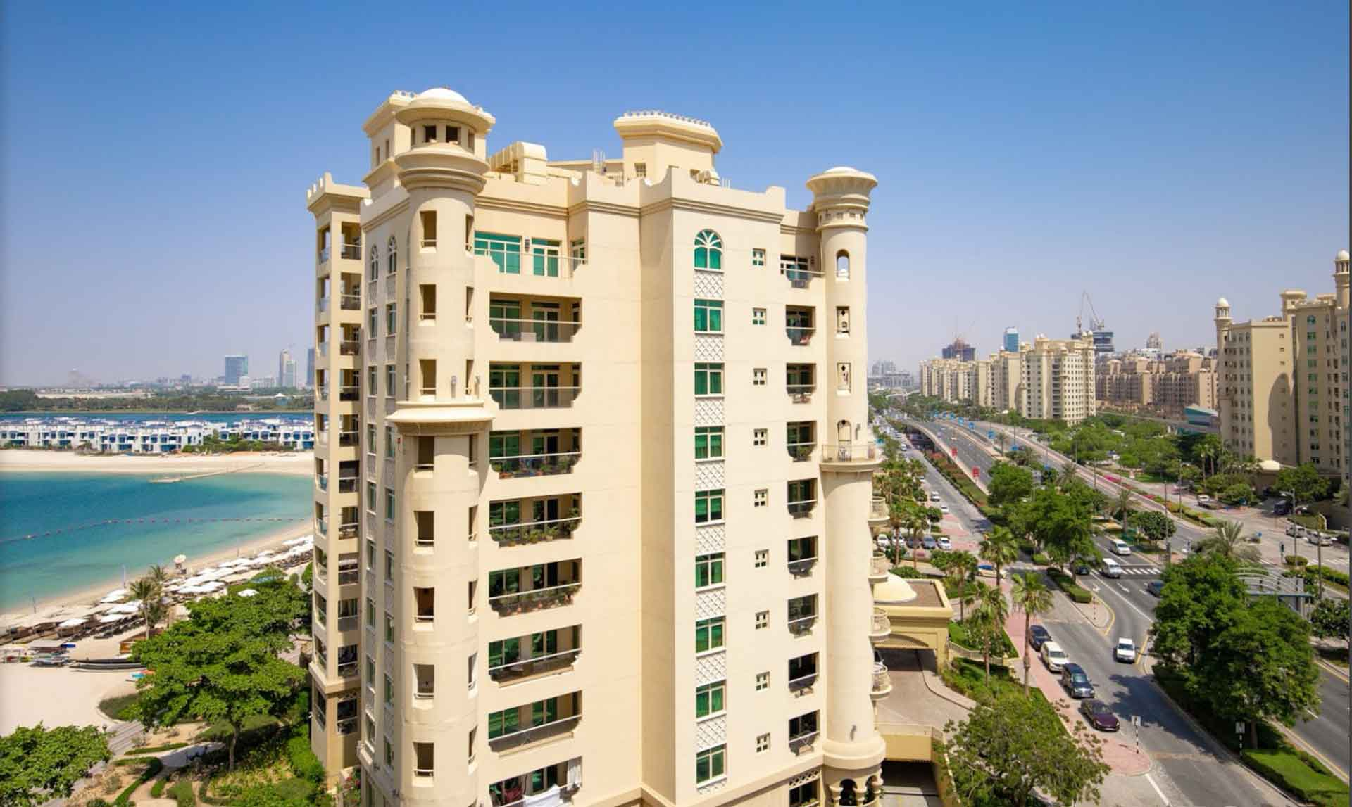 Beautiful 1 Bedroom Apartment With Terrace & Sea view